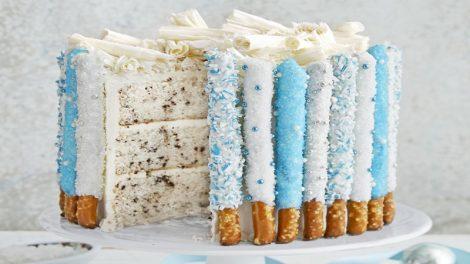 تزیین کیک تولد در خانه