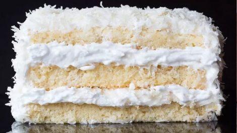 طرز تهیه کیک تولد خامه ای نارگیلی